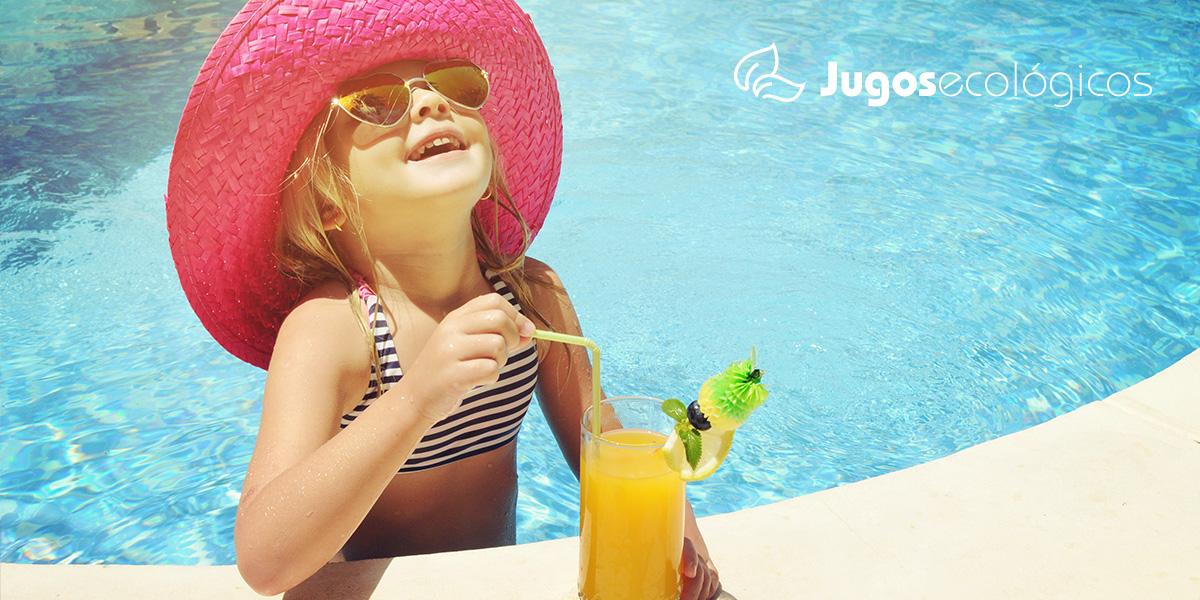 Bébete los beneficios de la fruta de verano